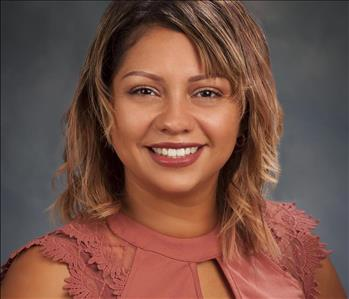 Female, early 30 years of age.